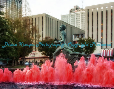 Runner statue at Kiener Plaza - downtown St. Louis, MO.  Photo# RW127