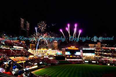 Fireworks Night, Arch, Busch Stadium, St. Louis, MO  Photo# 393