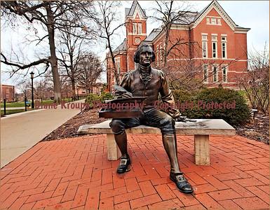 Thomas Jefferson statue in quadrangle at Missouri University  Photo# TJ777