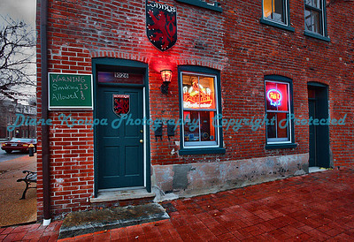 Lonny's Bar and Grill - Soulard Area, St. Louis, MO.  Photo #S507