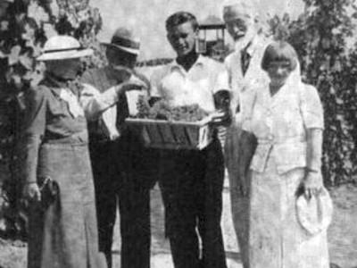 Праворуч: Марія Дембровська і Станісла Стемповський