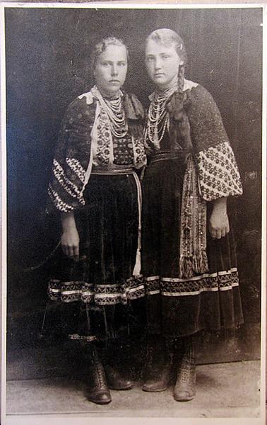 Марія Кучерява і Ганна