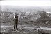 1915. Місцевий гебрей на руїнах міста.