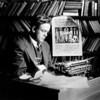 Джон Рід (John Reed) (1887-1920). Американський журналіст. Помер у Москві. Похований на Красній площі біля Кремлівської стіни