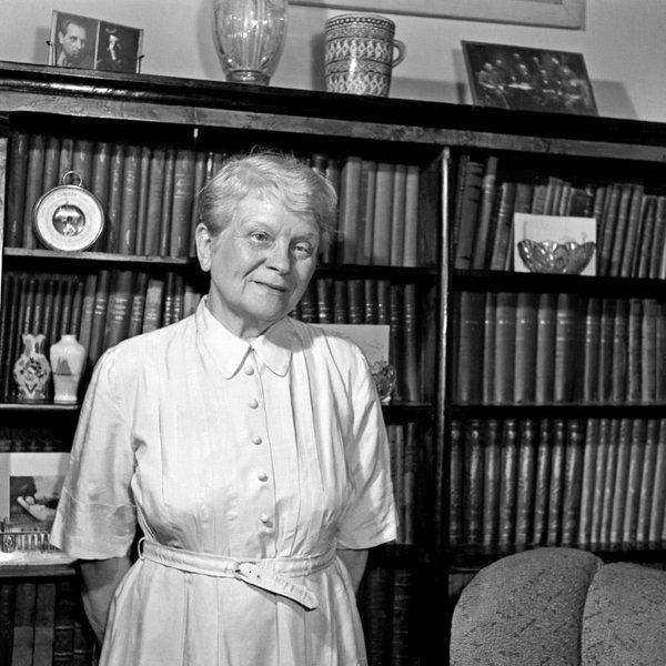 Марія Домбровська * Maria Dąbrowska