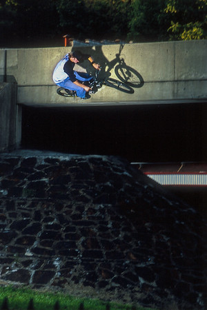 Aaron Chase - Wall Ride