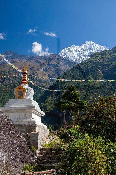 Chorten with Thameserku, Solukhumbu, Nepal