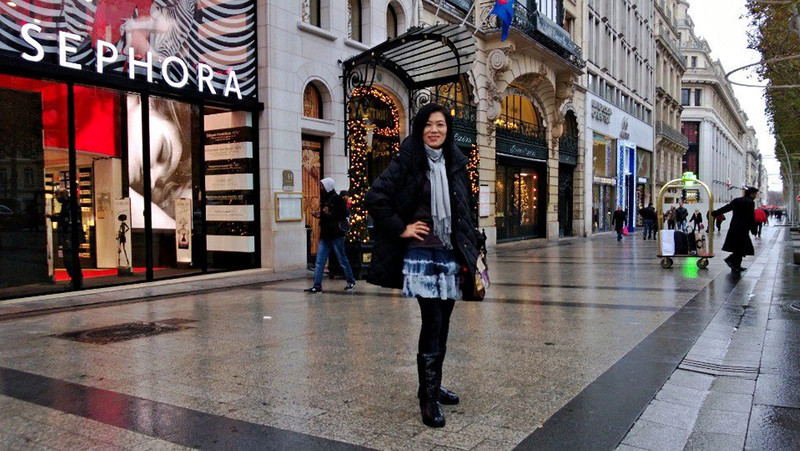 (4) Day 1 - A little wet in the morning (9 am here) but cleared up as the day goes on. Our hotel Marriott on Champs-Elysees is in the background with the Christmas lights.