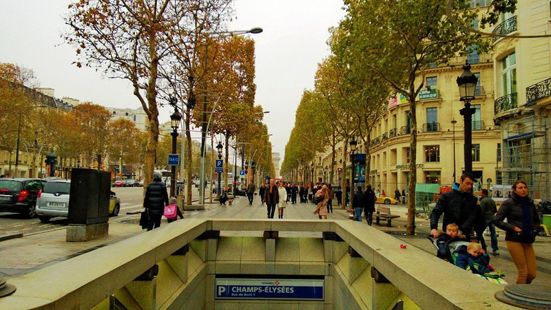 The world-famous Avenue des Champs-Elysees - it's all that and more!!