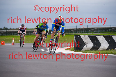 combe_rd1-20150507-0357