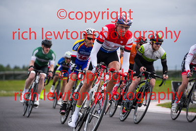 combe_rd1-20150507-0365