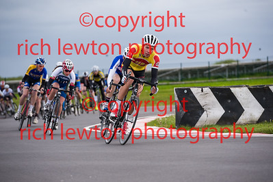 combe_rd1-20150507-0350