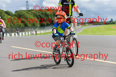 castle_combe_family_day-20160828-0024
