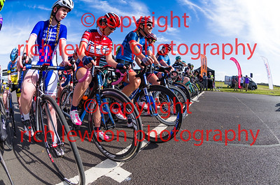 combe_easter-20160325-0304