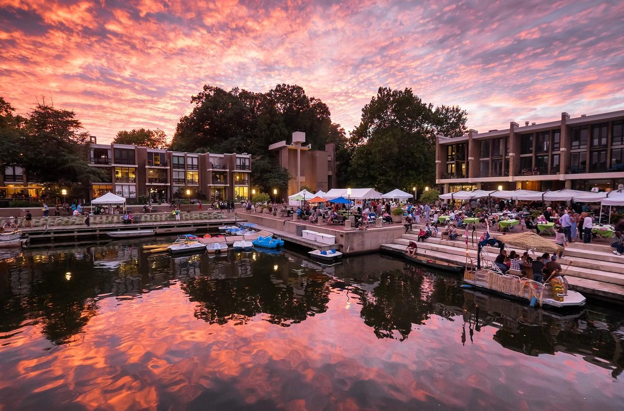 Sunset over the Lake Anne Jazz Festival
