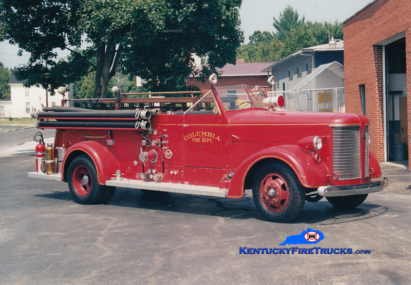 <center> RETIRED <br> Columbia  Engine 1 <br> 1945 American LaFrance 600 500/200  <br> Greg Stapleton photo </center>