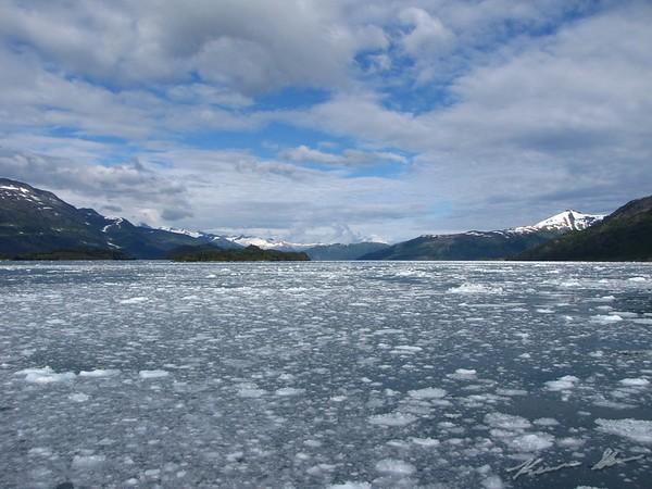 Scenery around the glacier field