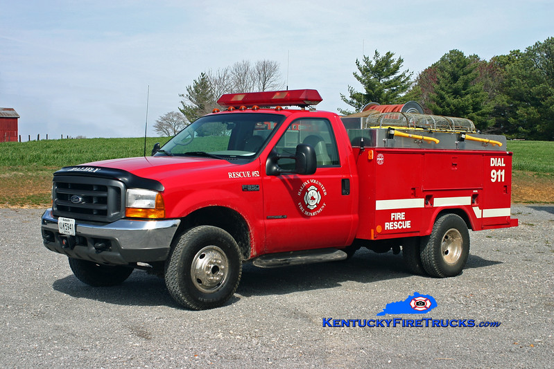 <center> Halifax  Rescue 52 <br> 2000 Ford F-350 4x4/Reading 250/250 <br> Kent Parrish photo </center>