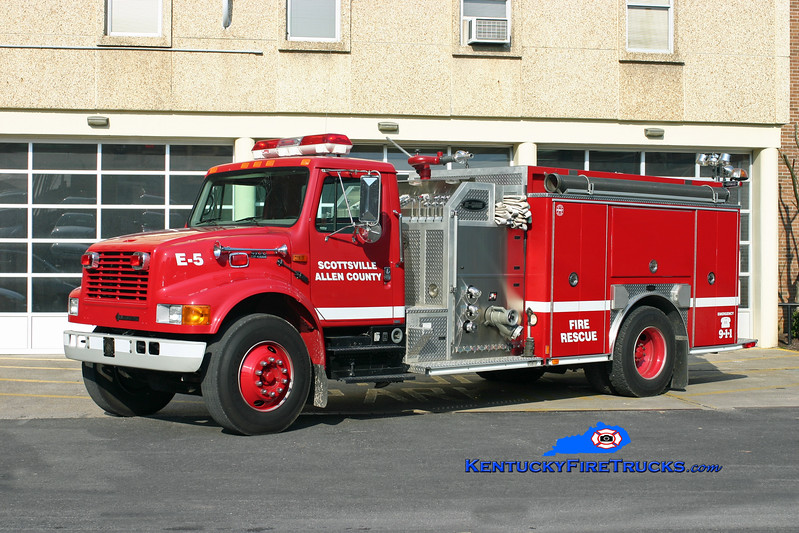 <center> Scottsville-Allen County  Engine 5 <br> 2000 International 4900/E-One 1250/1000 <br> Kent Parrish photo </center>