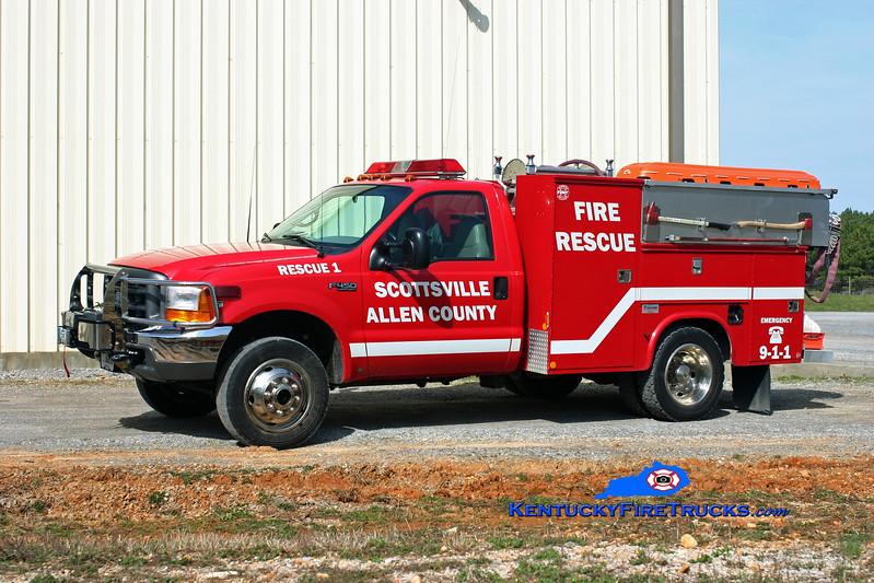 <center> Scottsville-Allen County  Rescue 1 <br> 2003 Ford F-450 4x4/Fontaine 250/250 <br> Kent Parrish photo </center>