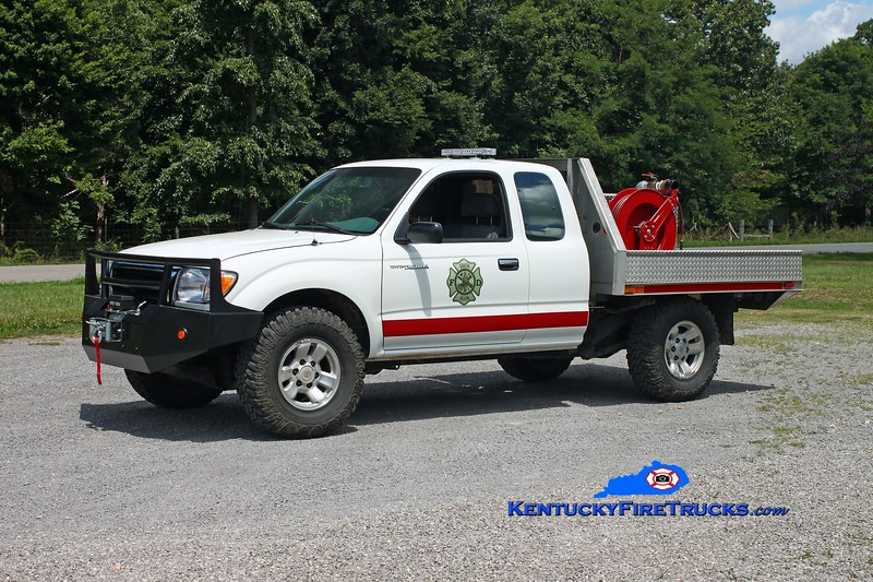 <center> South Allen  Rescue 33 <br> 1998 Toyota Tacoma 4x4/FD 50/100 <br> Kent Parrish photo <br> </center>
