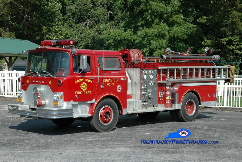 <center> Stony Point  Engine 71 <br> x-Louisville, KY <br> 1971 Mack CF 1000/300 <br> Greg Stapleton photo </center>