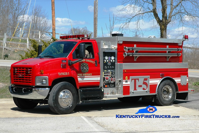 <center> Anderson County  Tanker 5 <br> 2006 GMC C8500/Wynn 500/2000  <br> Greg Stapleton photo </center>