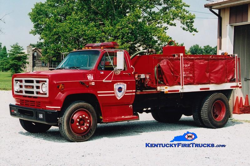 <center> RETIRED <br> Anderson County  Tanker 1 <br> 1987 GMC/Local 250/1500 <br> Greg Stapleton photo </center>