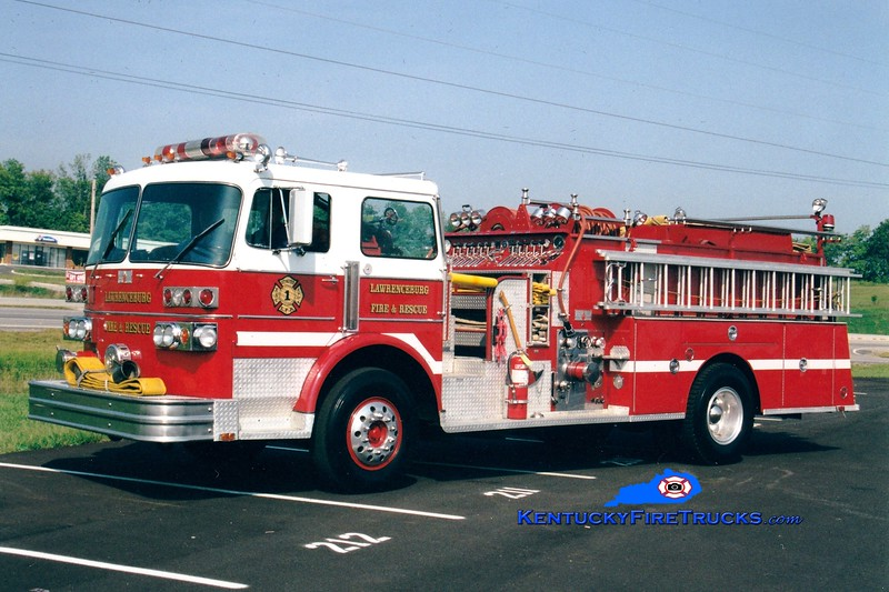 <center> Lawrenceburg  Pumper 2 <br> x-East Hampton, NY <br> 1980 Sutphen Deluge 1250/500 <br> Greg Stapleton photo </center>