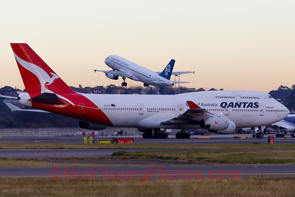 Qantas Boeing 747-400 and Air New Zealand Airbus A320