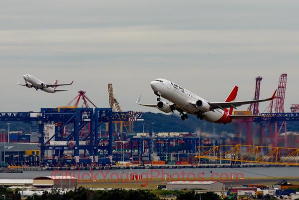 Qantas and Virgin Australia Boeing 737-800 parallel departure