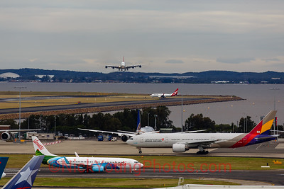 Crosswind action from a Qantas A380 and some ground traffic at Sydney
