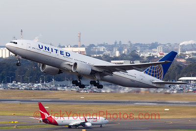 United Airlines Boeing 777-200ER