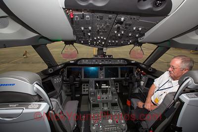 Boeing 787-9 cockpit