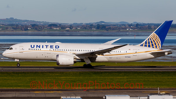 United Airlines Boeing 787-8