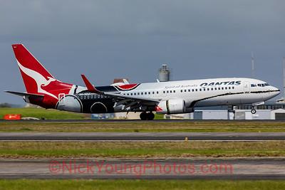 Qantas Boeing 737-800 Mendoowoorrji