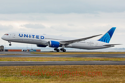 United new livery Boeing 787-10