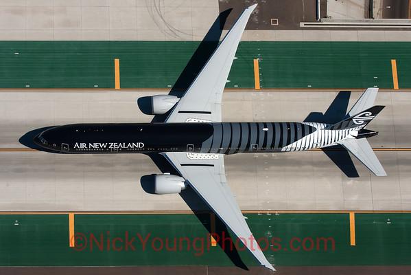 """Air New Zealand Boeing 777-300ER """"All Blacks"""""""