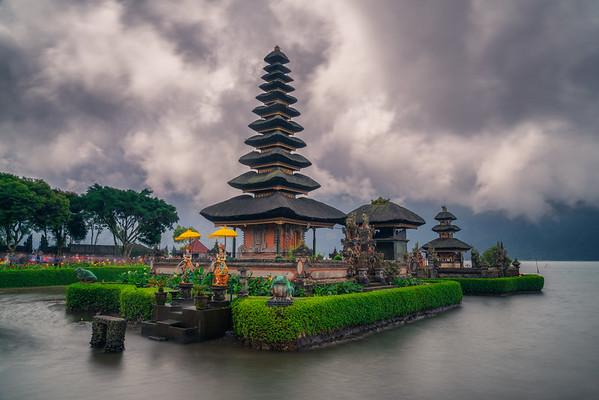 Pura Ulun Danu Beratan in the clouds