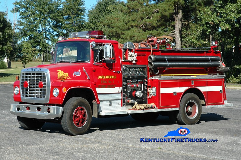 <center> Lovelaceville  Engine 1 <br> x-Lone Oak, KY <br> 1980 Ford LN8000/Darley 1000/1000 <br> Greg Stapleton photo </center>