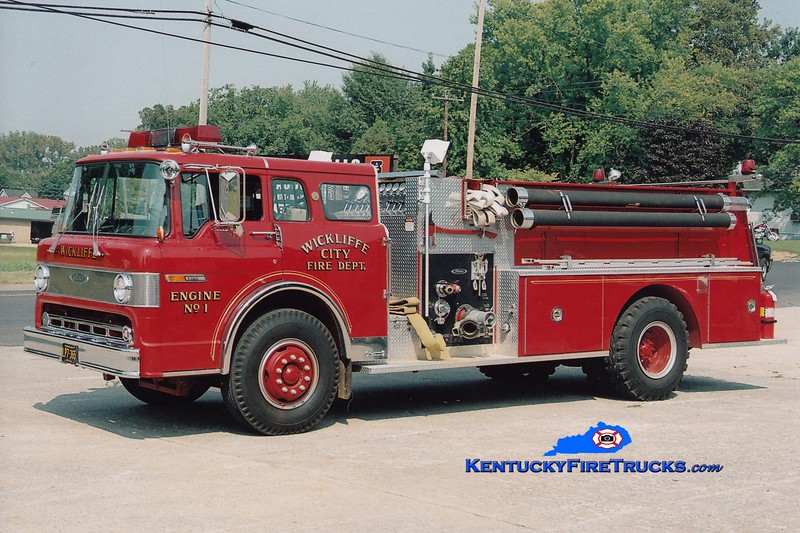 <center> Wickliffe City  Engine 1 <br> 1987 Ford C-8000/Pierce 1000/1000 <br> Greg Stapleton photo </center>