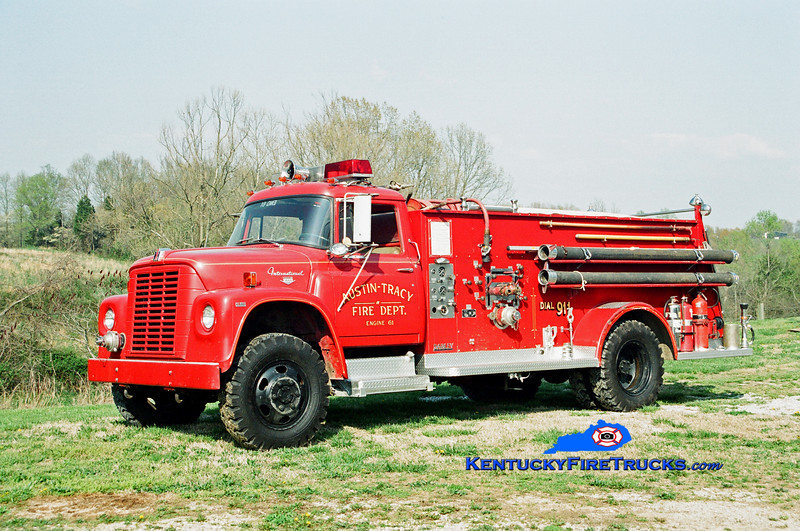 <center> RETIRED <br> Austin-Tracy  Engine 61 <br> x-Mammoth Cave National Park, KY <br> 1968 International 1600 4x4/Darley 750/750 <br> Kent Parrish photo <br> </center>