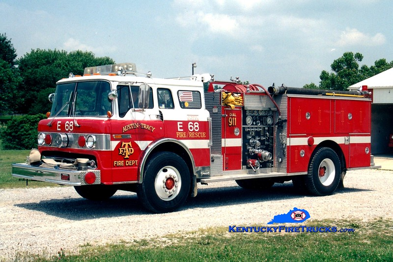 <center> RETIRED <br> Austin-Tracy  Engine 68 <br> x-Winetka, IL <br> 1983 Ford C-8000/Pierce 1000/500 <br> Greg Stapleton photo <br> </center>