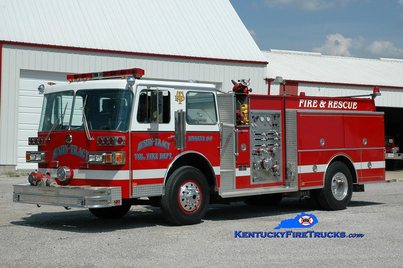 <center> Austin-Tracy  Engine 60 <br> x-Wilder, KY <br> 1987 Sutphen Deluge 1500/750 <br> Greg Stapleton photo <br> </center>