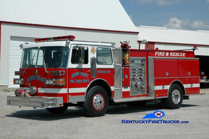 <center> Austin-Tracy  Engine 60 <br> x-Wilder, KY <br> 1987 Sutphen Deluge 1500/750 <br> Greg Stapleton photo <br> </center>