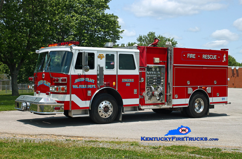 Austin-Tracy  Engine 68<br /> x-Wilder, KY <br /> 1992 Sutphen Deluge 1750/750<br /> Kent Parrish photo