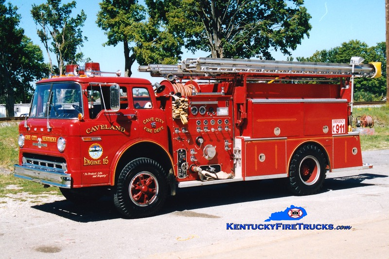 <center> RETIRED <br> Cave City  Engine 15  <br> 1978 Ford C/American LaFrance 1000/500/Quad <br> Greg Stapleton photo </center>