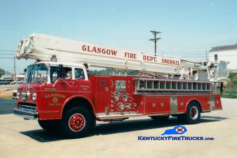 <center> RETIRED <br> Glasgow Snorkel 1 <br> 1968 Ford C/Pierce 1000/250/65' Snorkel <br> Greg Stapleton photo <br> </center>
