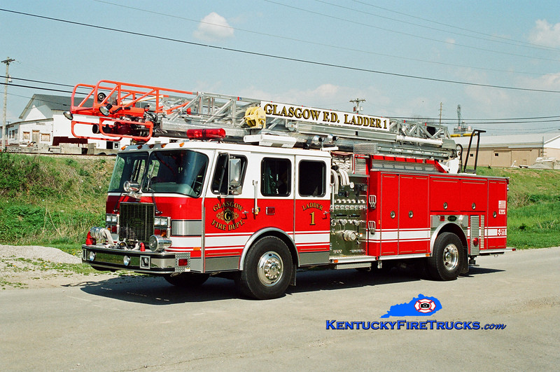 <center> Glasgow  Reserve Ladder 1 <br> 1999 E-One Cyclone II 1500/500/75' <br> Kent Parrish photo </center>