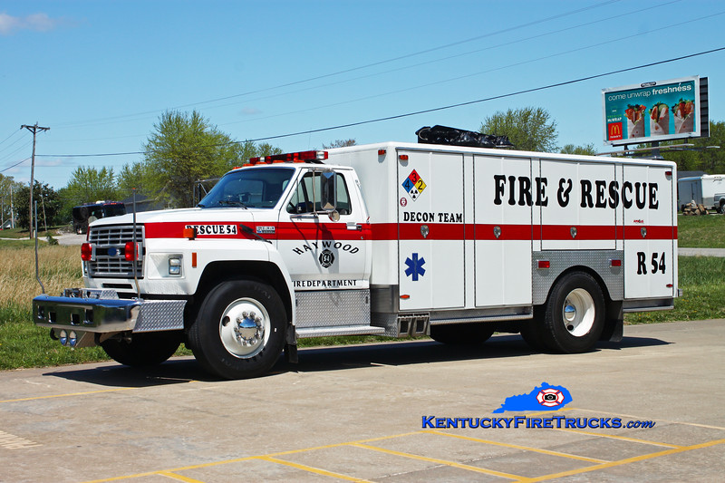 <center> Haywood  Rescue 54 <br> 1990 Ford F-800/SVI  <br> Kent Parrish photo </center>